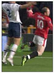 Rooney dives against Aston Villa