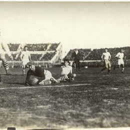 US goalkeeper Jimmy Douglas makes a save in the semifianl match against Argentina. The US lost 6-1.