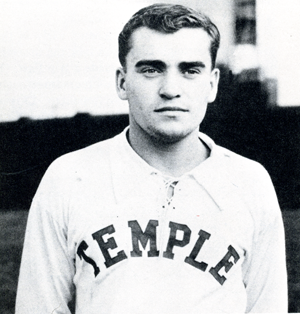 Walt Chyzowych when he played at Temple.