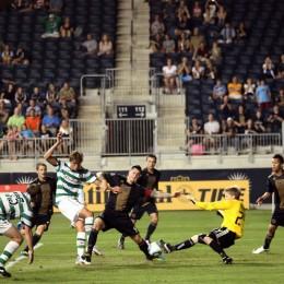 Brian Perk makes a brilliant save against Celtic. (Photo: Nicolae Stoian)