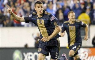 Le Toux wants to score and more morning news