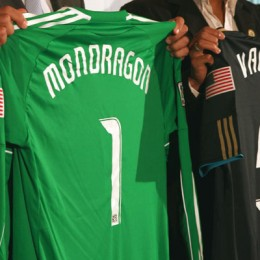 Mondragon and Valdes unveiling in pictures
