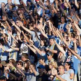 Fans by Daniel Gajdamowicz