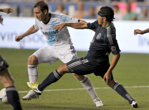 Carlos Valdes defends Chelsea's Frank Lampard during the 2012 MLS All-Star Game at PPL Park. (Photo: Earl Gardner)