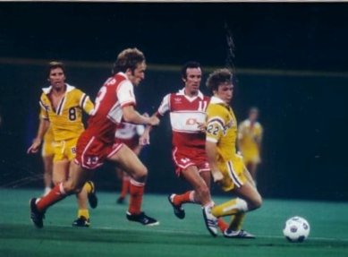 Alan Ball (8) shows off his cleavage while Tony Glavin (22) runs away in 1979 Philadelphia Fury action.