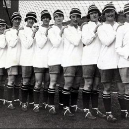 First women's soccer team in Philly, 1922