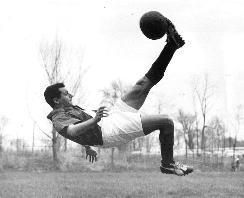 Ruben Mendoza. Photo courtesy of Wiki Commons.
