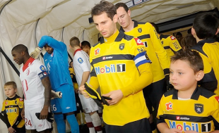 Reaction to Nogueira deal, 3-man midfield, Pfeffer & Ribeiro impressing, much more.