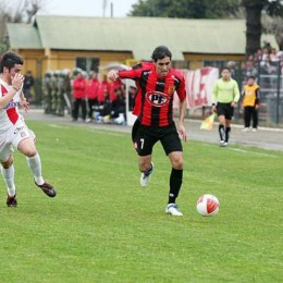 Union sign Cristian Maidana