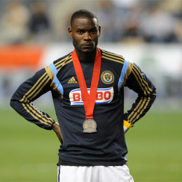 Then again, this photo of Maurice Edu with his second place medal says a bit too. (Photo: Earl Gardner)