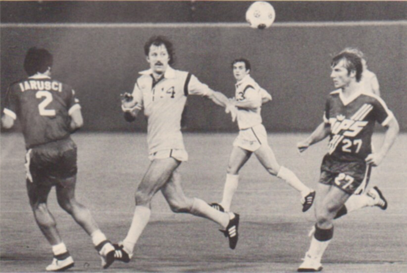 Frank Worthington (No. 14) against Washington Diplomats
